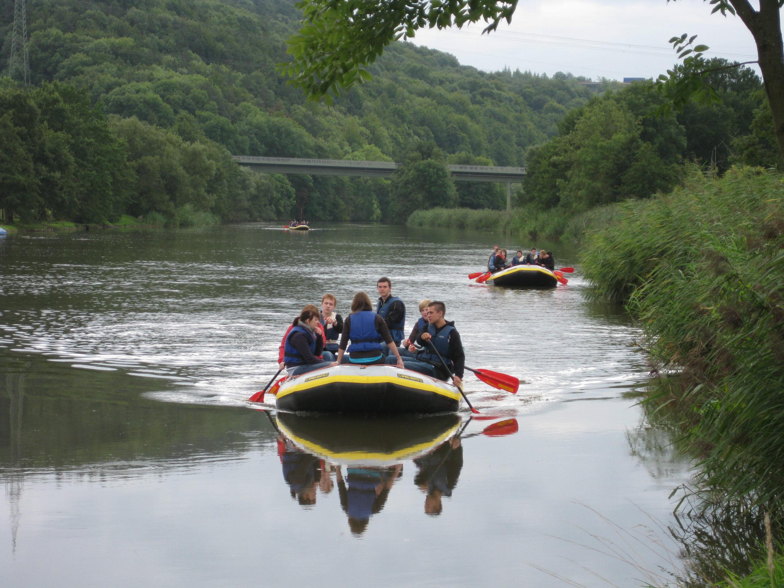 Schüler Spezial- Schulausflug mit Kanu/ Schlauchboot auf der Werra